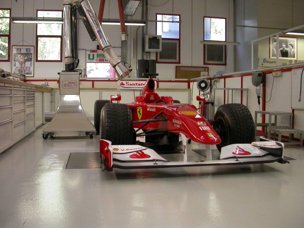 Kentech special mobile suction arm for Ferrari1